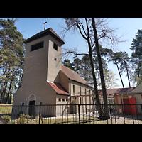 Hohen Neuendorf - Bergfelde, Ev. Kirche, Außenansicht mit Fassade