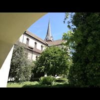 Schaffhausen, Münster (ehem. Kloster zu Allerheiligen), Blick durch den Kreuzgang zum Querhaus und Turm