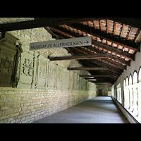 Schaffhausen, Münster (ehem. Kloster zu Allerheiligen), Kreuzgang mit Gedenktafeln