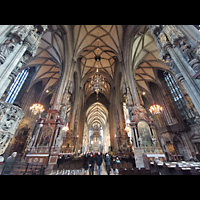 Wien (Vienna), Stephansdom (Orgelanlage), Innenraum in Richtung Chor