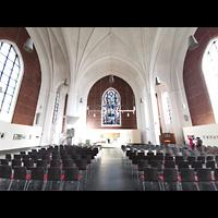 Berlin (Tiergarten), Heilandskirche, Innenraum in Richtung Altar