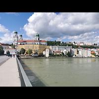 Passau, Dom St. Stephan, Blick von der Marienbrückezum Dom