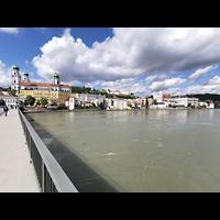 Passau, Dom St. Stephan, Blick von der Marienbrückezum auf die Passauer Altstadt mit Dom