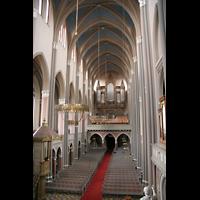 Wiesbaden, Marktkirche, Innenraum / Hauptschiff in Richtung Orgel