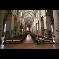 Mainz, Dom St. Martin und St. Stephan, Langhaus in Richtung Westchor