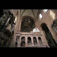 Mainz, Dom St. Martin und St. Stephan, Spieltischempore mit Blick in die Kuppel