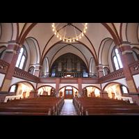 Berlin (Wilmersdorf), Auenkirche, Innenraum / Hauptschiff in Richtung Orgel