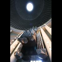 Berlin (Mitte), St. Hedwigs-Kathedrale, Blick zur Orgel und in die Kuppel