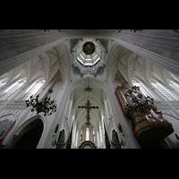 Antwerpen (Anvers), Onze-Lieve-Vrouwekathedraal (Transeptorgel), Vierung mit Gewölbe und Kuppel
