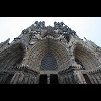 Reims, Cathédrale Notre-Dame (Hauptorgel), Reich verzierte Portalbögen