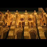Chartres, Cathédrale Notre-Dame, Seitenschiff bei Nacht