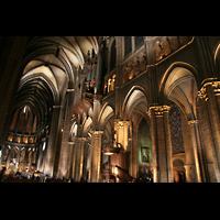 Chartres, Cathédrale Notre-Dame, Hauptschiff mit Orgel