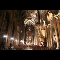 Chartres, Cathédrale Notre-Dame, Innenraum / Hauptschiff in Richtung Chor