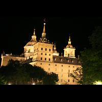 San Lorenzo de El Escorial, Basílica del Real Monasterio, Ansicht bei Nacht