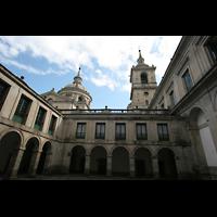 San Lorenzo de El Escorial, Basílica del Real Monasterio, Seitenansicht