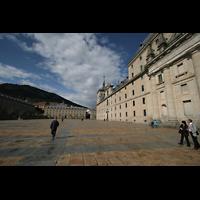 San Lorenzo de El Escorial, Basílica del Real Monasterio, Klosterplatz