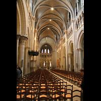 Lausanne, Cathédrale, Innenraum / Hauptschiff in Richtung Chor