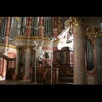 Weingarten, Basilika St. Martin - Große Orgel, Freistehender Spieltisch inmitten der Orgel