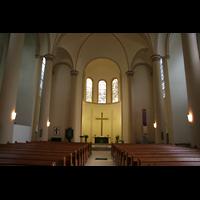 Essen, Kreuzeskirche, Innenansicht in Richtung Chor