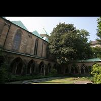 Essen, Dom, Innenhof des Kreuzgangs