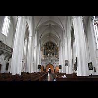 Berlin (Mitte), St. Marienkirche, Innenraum / Hauptschiff in Richtung Orgel