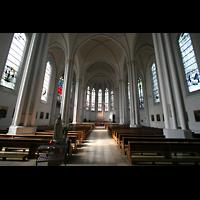 Berlin (Schöneberg), St. Matthias, Innenraum / Hauptschiff in Richtung Chor