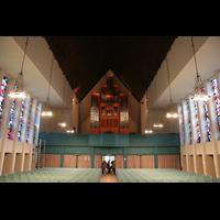 Berlin (Zehlendorf), Jesus-Christus-Kirche Dahlem, Innenraum / Hauptschiff in Richtung Orgel