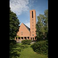 Berlin (Zehlendorf), Jesus-Christus-Kirche Dahlem, Fassade und Turm