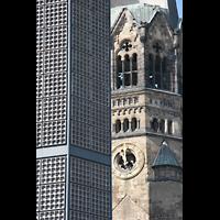 Berlin (Charlottenburg), Kaiser-Wilhelm-Gedächtnis-Kirche, Alter und neuer Kirchturm