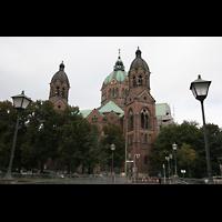 München, St. Lukas, Lukaskirche von der Isar aus