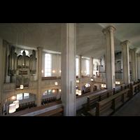München, St. Markus (Ott-Orgel), Blick von der Seitenempre zu den beiden Orgeln