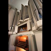 Berlin (Schöneberg), St. Matthias, Blick von der Orgelempore in Richtung Chor