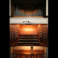 München, St. Markus (Ott-Orgel), Spieltisch und Brustwerk