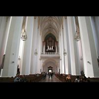 München, Liebfrauendom (Hauptorgelanlage), Innenraum / Hauptschiff in Richtung Orgel