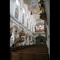 München, Alt St. Peter (Hauptorgel), Innenraum / Hauptschiff in Richtung Orgel