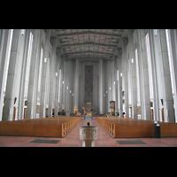 München, Mariahilf-Kirche (Hauptorgel), Innenraum / Hauptschiff in Richtung Chor