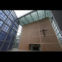München, Herz-Jesu-Kirche, Eingangshalle