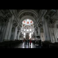 Salzburg, Dom (Hauptorgel), Innenraum / Hauptschiff in Richtung Chor