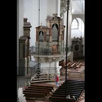 Salzburg, Dom (Hauptorgel), Blick von der Orgelempore zur Venezianischen Orgel