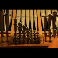 Linz, Maria-Empfängnis-Dom (Hauptorgel), Spanische Trompeten - Details