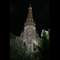 Linz, Maria-Empfängnis-Dom (Hauptorgel), Turm des Mariendoms bei Nacht