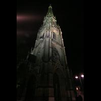 Linz, Maria-Empfängnis-Dom (Hauptorgel), Turm bei Nacht
