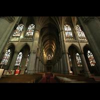 Linz, Maria-Empfängnis-Dom (Hauptorgel), Blick vom Chor zur großen Orgel