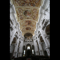 St. Florian (bei Linz), Stiftskirche, Innenraum / Hauptschiff in Richtung Hauptorgel