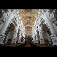 St. Florian (bei Linz), Stiftskirche, Innenraum / Hauptschiff in Richtung Chor