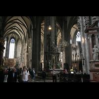 Wien (Vienna), Stephansdom (Orgelanlage), Blick in Richtung neuer Rieger-Orgel