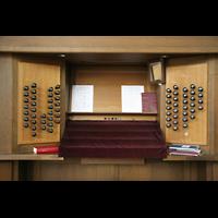 Wien (Vienna), Stephansdom (Orgelanlage), Spieltisch der Rieger-Orgel