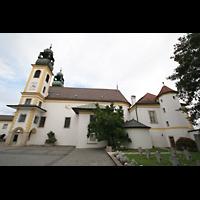 Passau, Mariahilf Wallfahrtskirche, Seitenansicht und Kirchhof