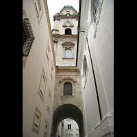 Passau, Dom St. Stephan, Gang neben dem Seitenschiff und Turm