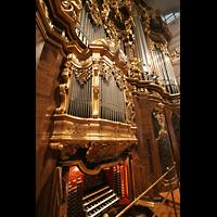 Passau, Dom St. Stephan, Mechanischer Spieltisch mit Hauptorgel